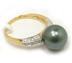 Tahitian Pearl Ring with Diamonds