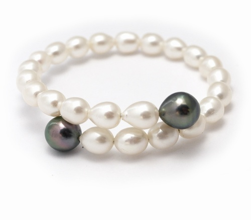 Freshwater Pearl and Tahitian Pearl Memory Wire Bracelet