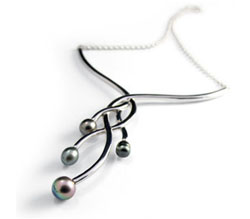 Tahizea Tahitian pearl kesi earrings atari
